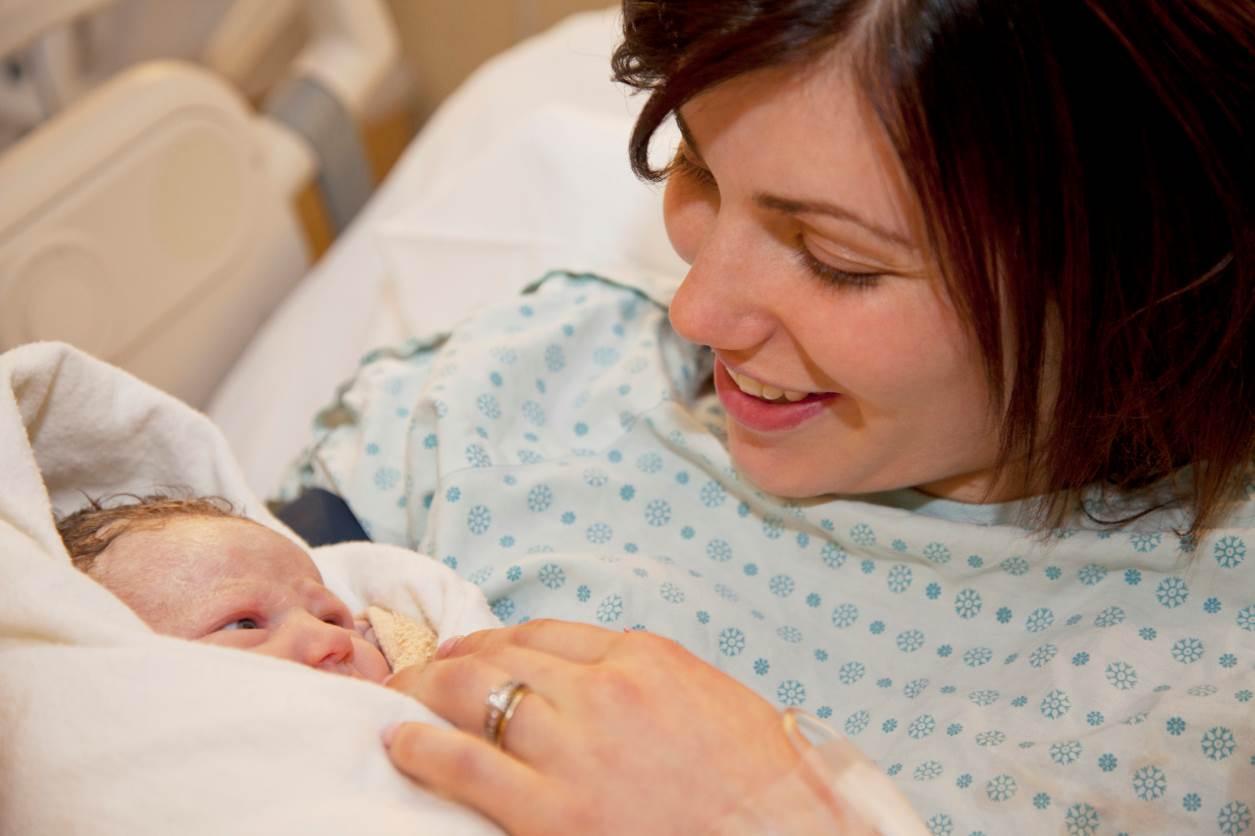 boldog könnyű szülés önhipnózissal